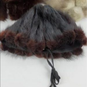 FUR Bonnet hat MONTREAL boutique vintage